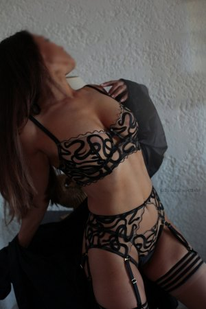 Monserrat erotic massage in Marysville