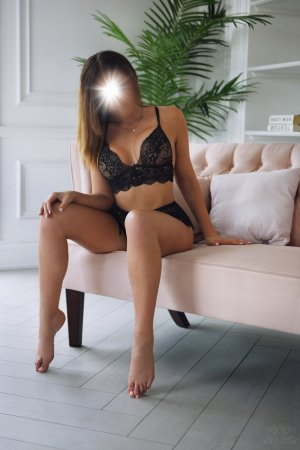 Prunelle cheap call girls in North Tustin CA & thai massage