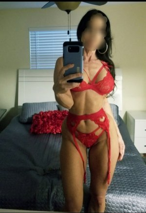 Banna escort girl in Frisco Texas