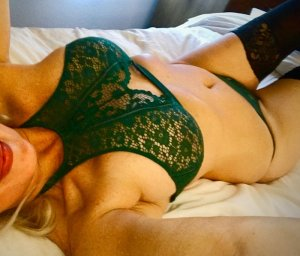 Adidja tantra massage in Kingsport TN and escort girls