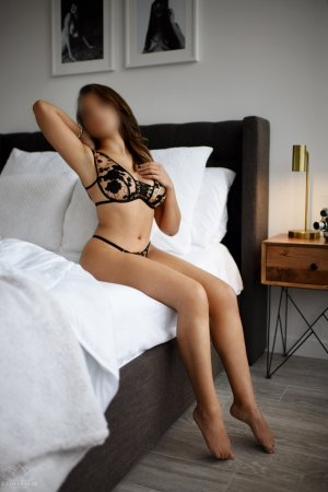 Kellycia tantra massage in Albany