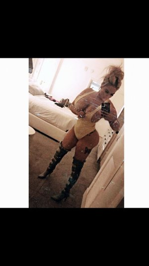 Thouraya escort girls in Stevenson Ranch