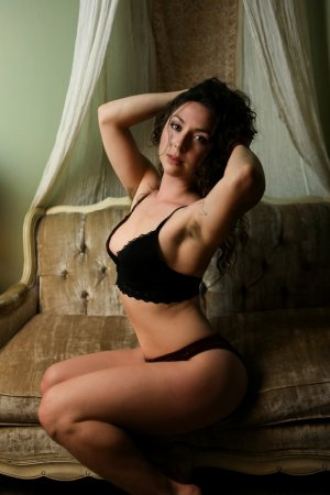 Mayllie escort girl and nuru massage