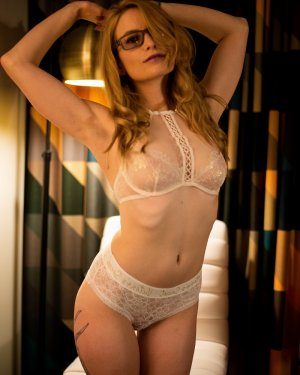 Rose-mai erotic massage in Folkston