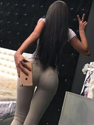 Maeva nuru massage & call girl