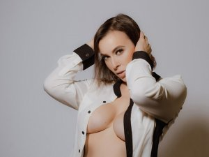 Modestie escort, nuru massage
