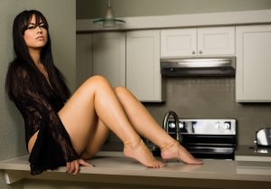 Solanne tantra massage & escort girl
